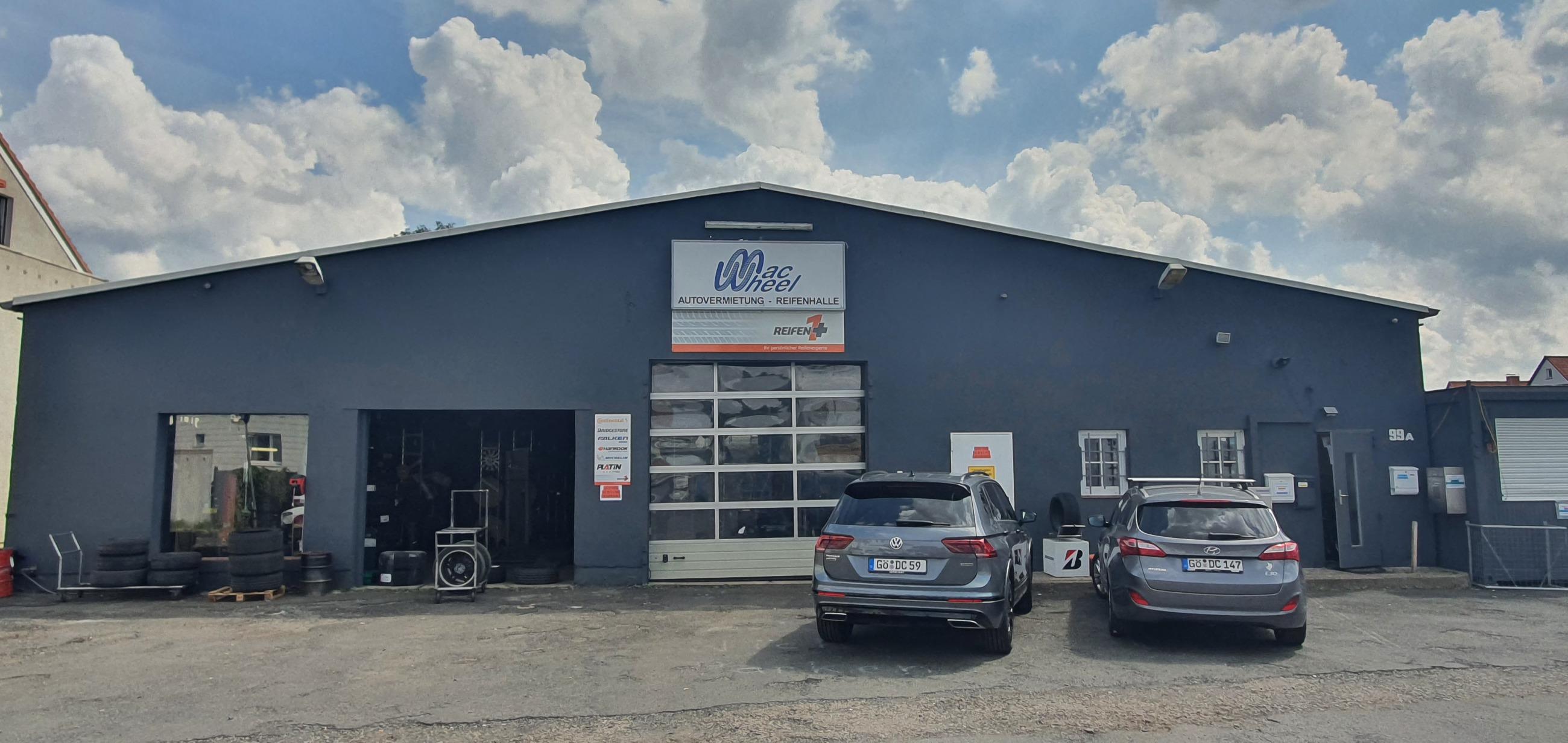 Unsere Reifenhalle in Göttingen Grone